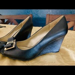 Black/Gold Wedge shoe